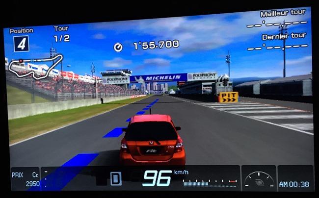 Gran Turismo en version PSP sur un téléviseur 55 pouces
