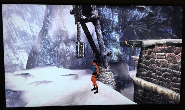 Tomb Raider en version PS One sur un téléviseur 55 pouces