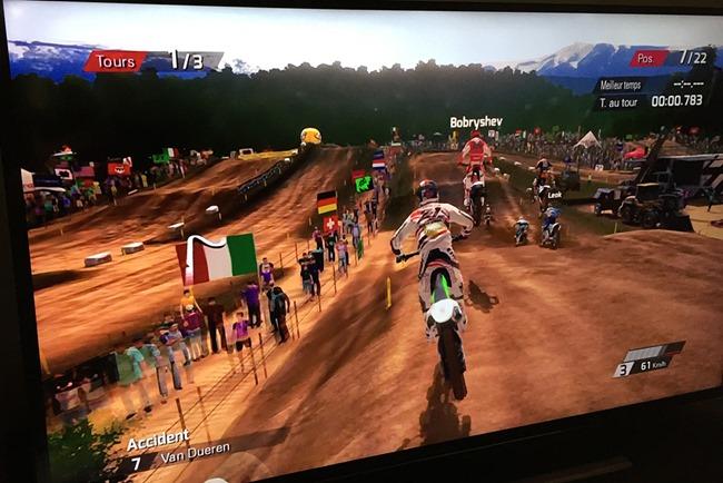 MXGP en streaming depuis la PS4 sur un téléviseur 55 pouces