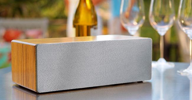 Audioengine B2 une enceinte à poser sur une table, un meuble ou un bureau