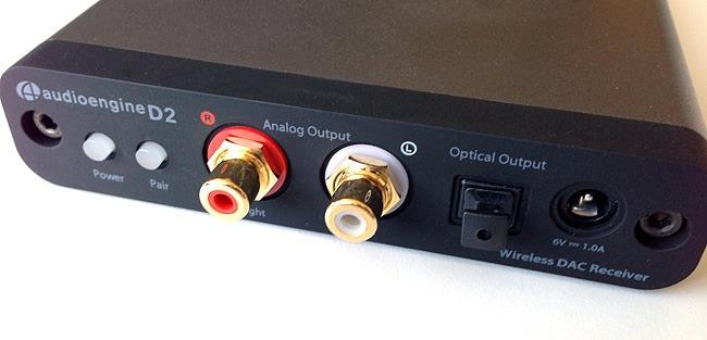 Connectiques analogiques du récepteur DAC Audioengine D2