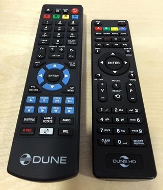Comparaison avec la télécommande du Dune HD 303D, à gauche