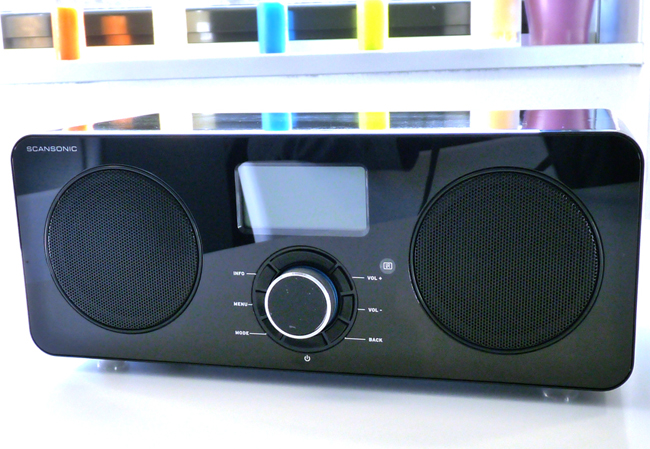 test du poste de radio wifi st r o scansonic in 300. Black Bedroom Furniture Sets. Home Design Ideas