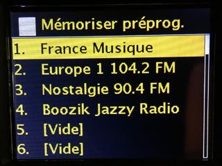 Mise en mémoire des stations radios favorites pour un accès rapide