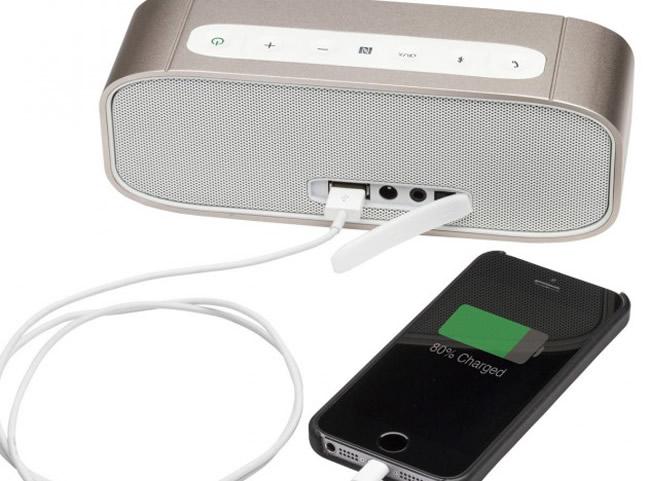 Enceinte sans fil nomade avec USB de recharge pour appareils mobiles