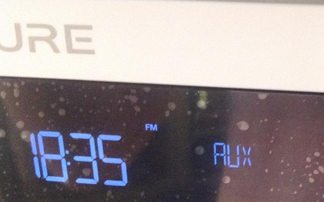 Radio numérique avec entrée audio pour source externe