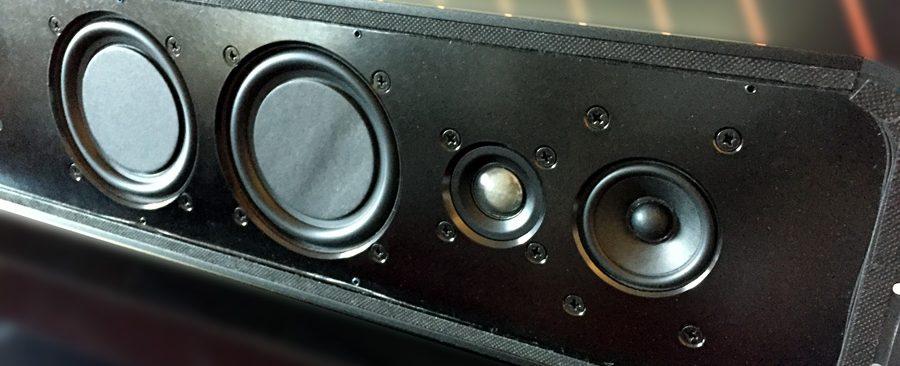 Les haut-parleurs stéréo de la barre de son TV Bluesound PULSE SOUNDBAR