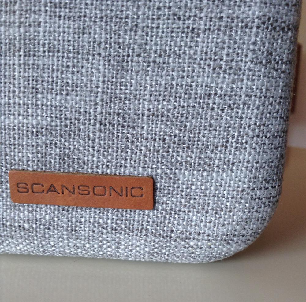 Détail du tissu de l'enceinte Scansonic BT150