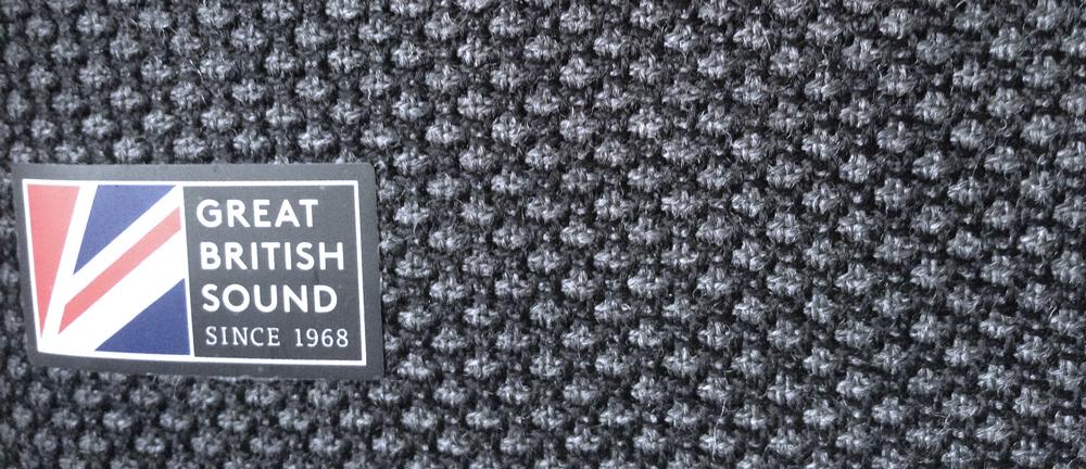 Cambridge Audio YOYO (S) marque anglaise detail tissu Marton Mills Yorkshire Angleterre gris foncé