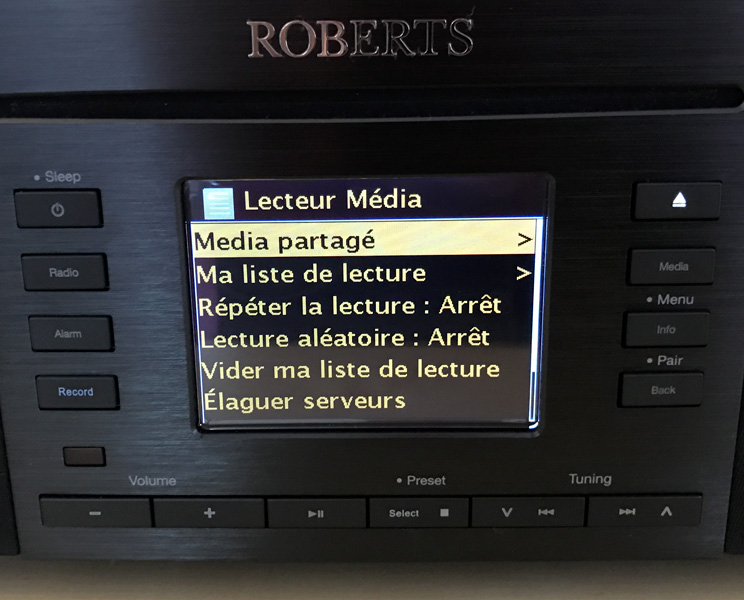 L'accès aux fichiers audio stockés sur un disque dur réseau NAS et un ordinateur avec le protocole UPNP / DLNA