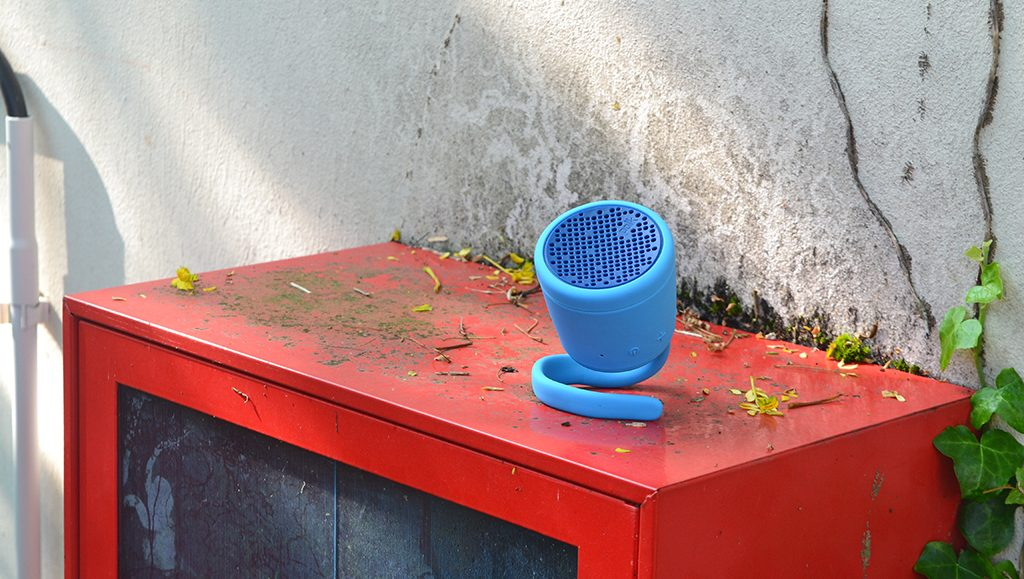 Test de l'enceinte Bluetooth Waterproof Polk Boom Swimmer Duo en milieu urbain