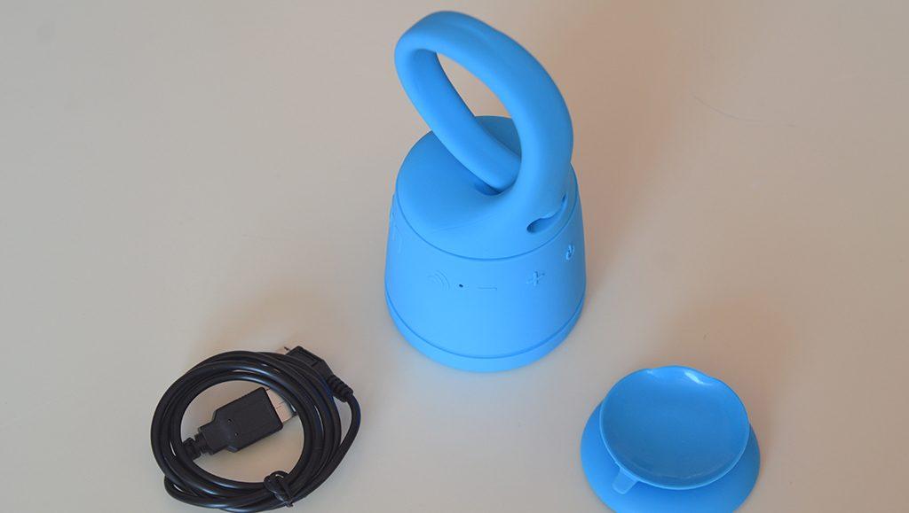 Unboxing/Découverte de l'enceinte Bluetooth étanche Polk Boom Swimmer vue de trois quart