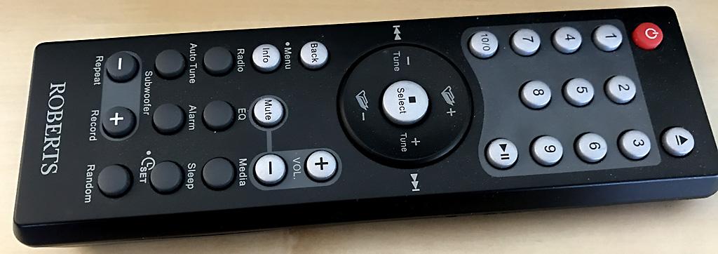 La télécommande fournie et ses touches mémoires d'accès rapides aux stations radio Web favorites