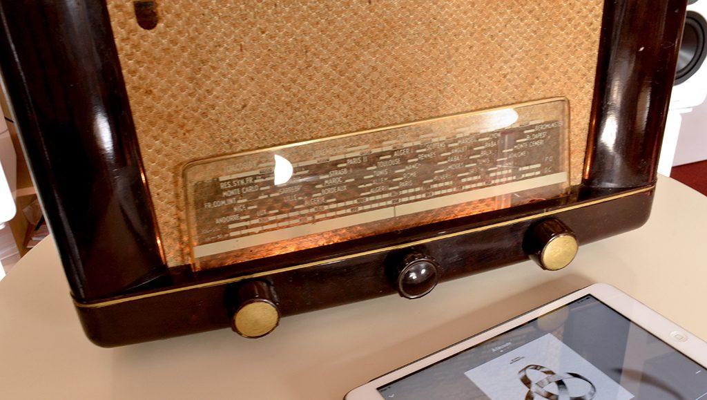 Test du Bluetooth sur le poste de radio vintage A.bsolument
