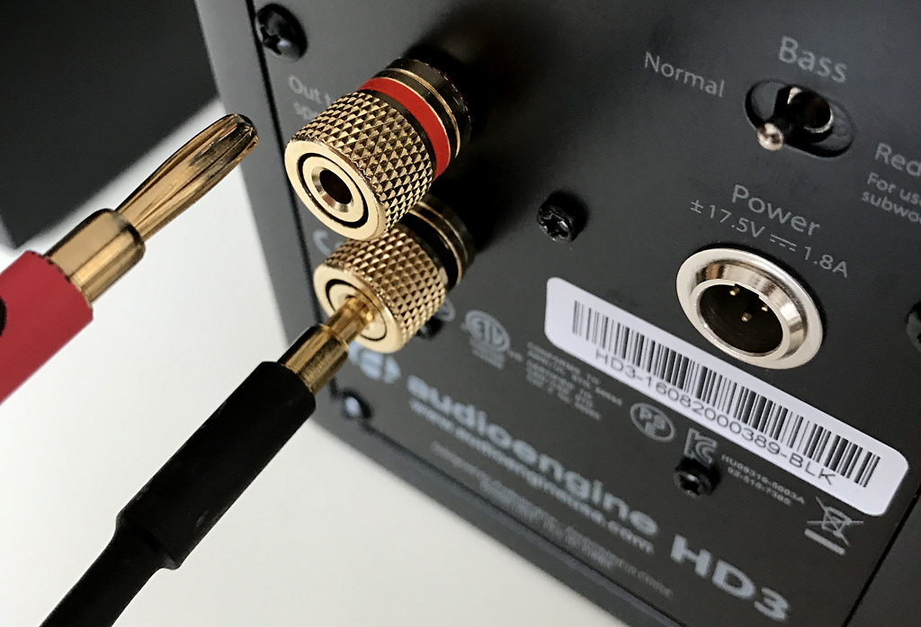 Borniers HiFi à vis et câbles moulés avec fiche banane pour un branchement facile et de qualité