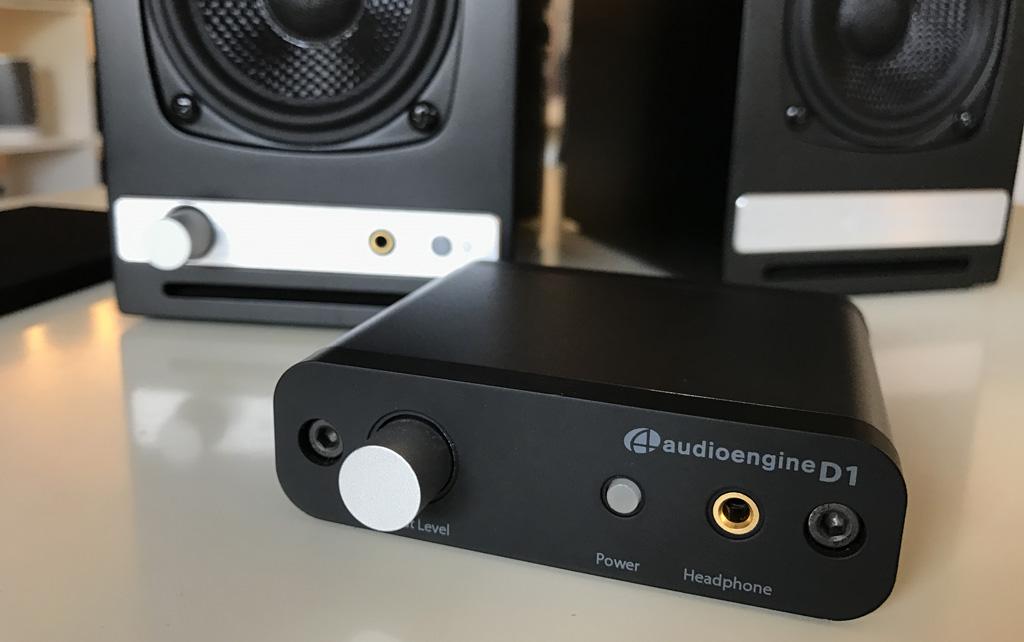 Comparaison avec le DAC USB HD Audioengine D1. Ce DAC est intrégré dans les enceintes HD3