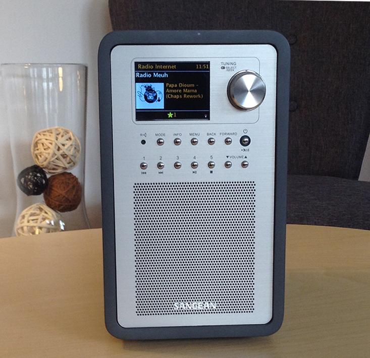 Le poste de radio Sangean Revery R5 permet la diffusion de 5 sources audio :