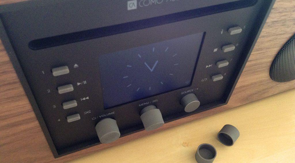 Como Audio fournit ainsi des petits capuchons en plastique à placer sur ceux d'origine.