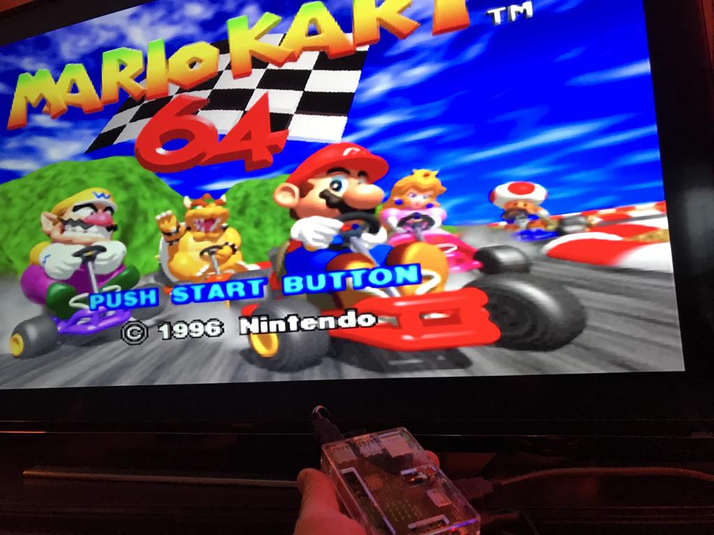 Mario Kart 64 sur l'émulateur Nintendo 64 avec un RaspberryPi et le logiciel Recalbx sur une TV 4K