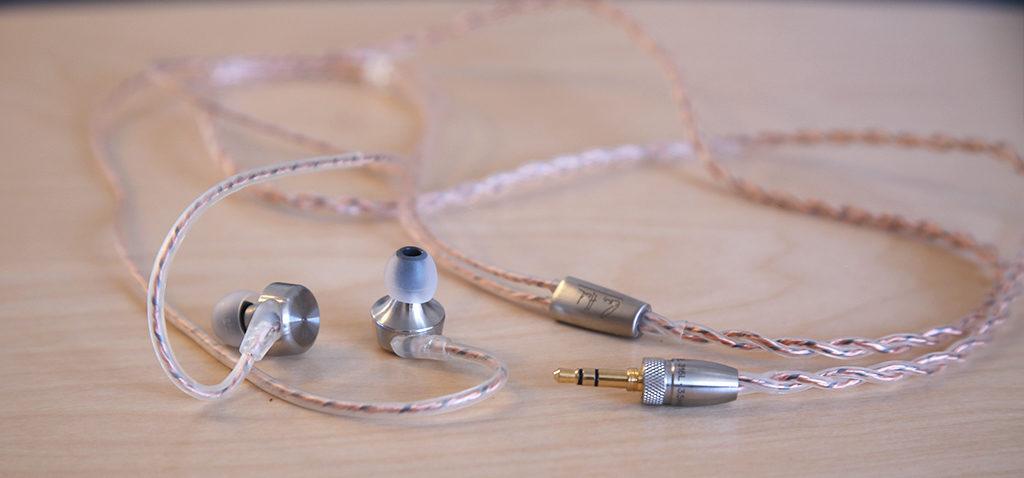 Test des écouteurs intra-auriculaires en câble tressé pour amplificateurs RHA CL750