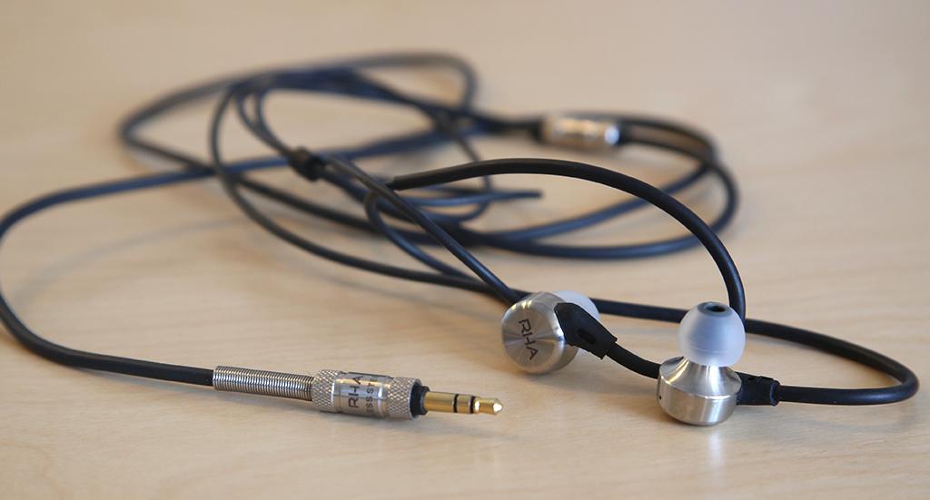 RHA MA750 : écouteurs intra-auriculaires Hi-Res avec crochets d'oreille