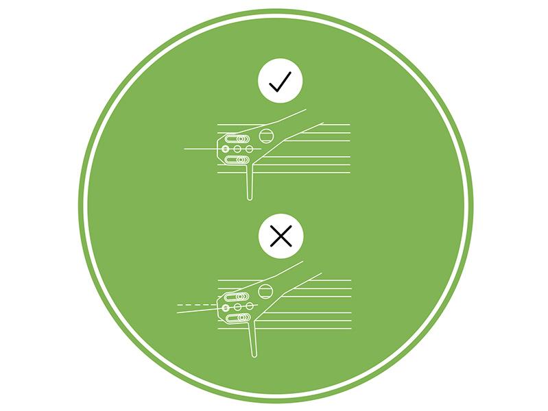 La tête de lecture doit être alignée avec le sillon, le mode d'emploi explique comment réaliser l'alignement avec le patron fourni.