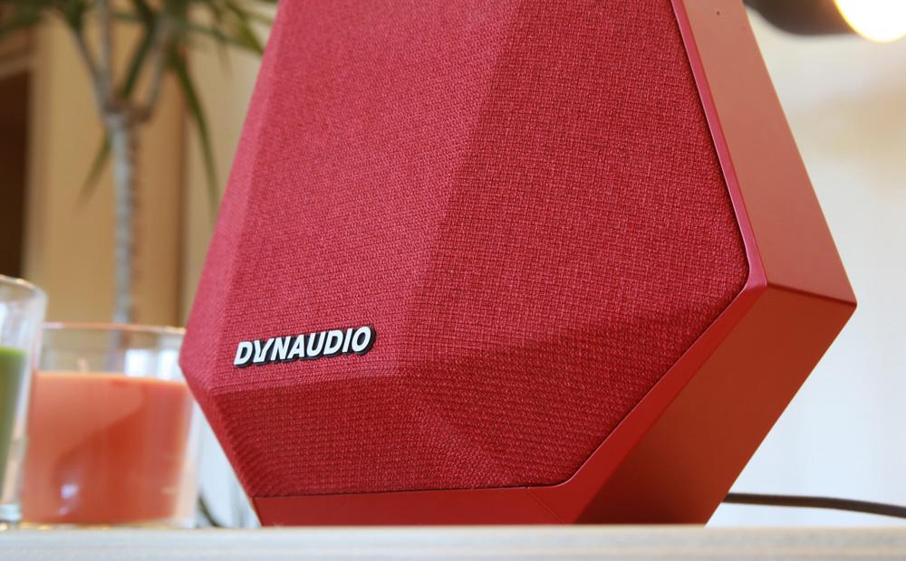 L'enceinte MUSIC 1 intègre une double amplification de 40 W