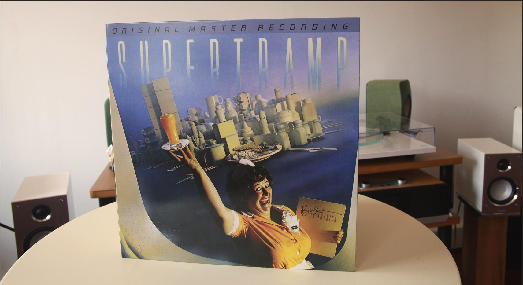 Face avant de la pochette collector Supertramp Breakfast in America