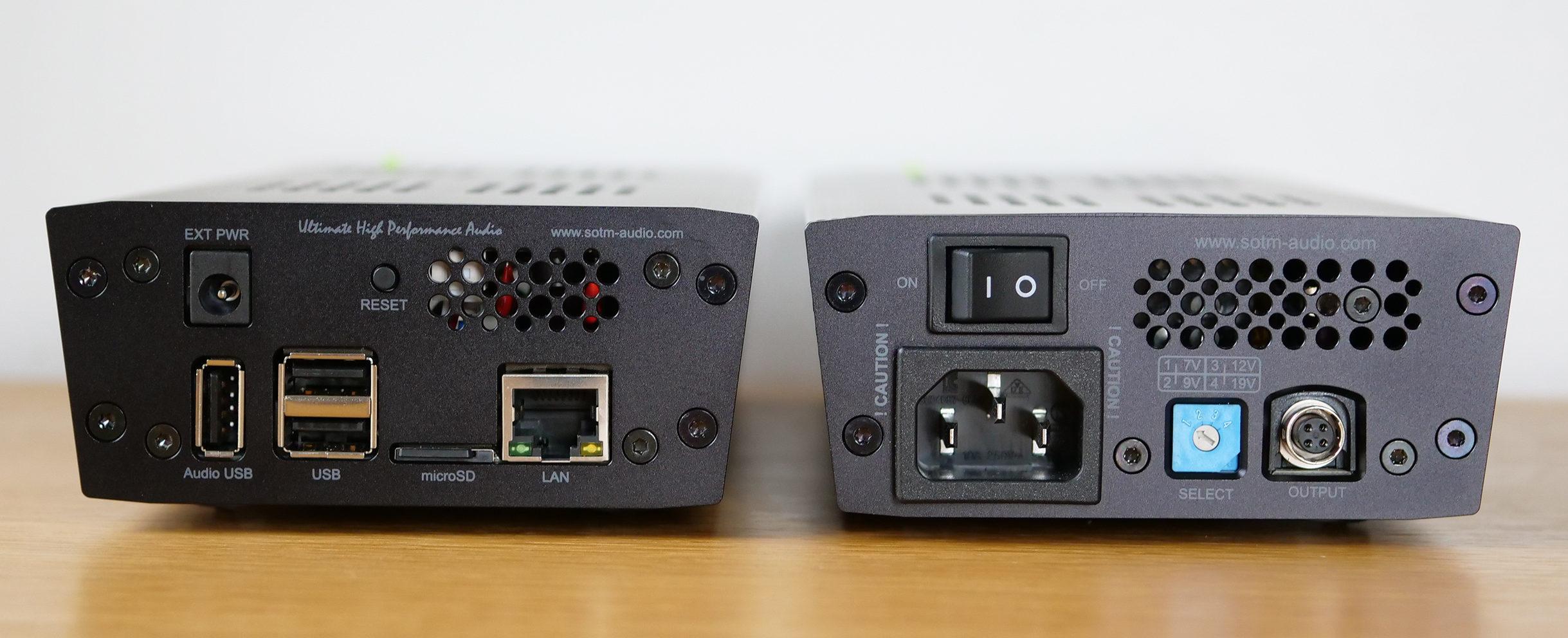 Le SOtM sMS-200 Ultra et ses connecrique: une sortie audio USB, deux entrées USB pour disque dur ou clé USB, la carte mSD contenant le système SOtM et le port réseau RJ45. L'alimentation SOtM sPS-500.