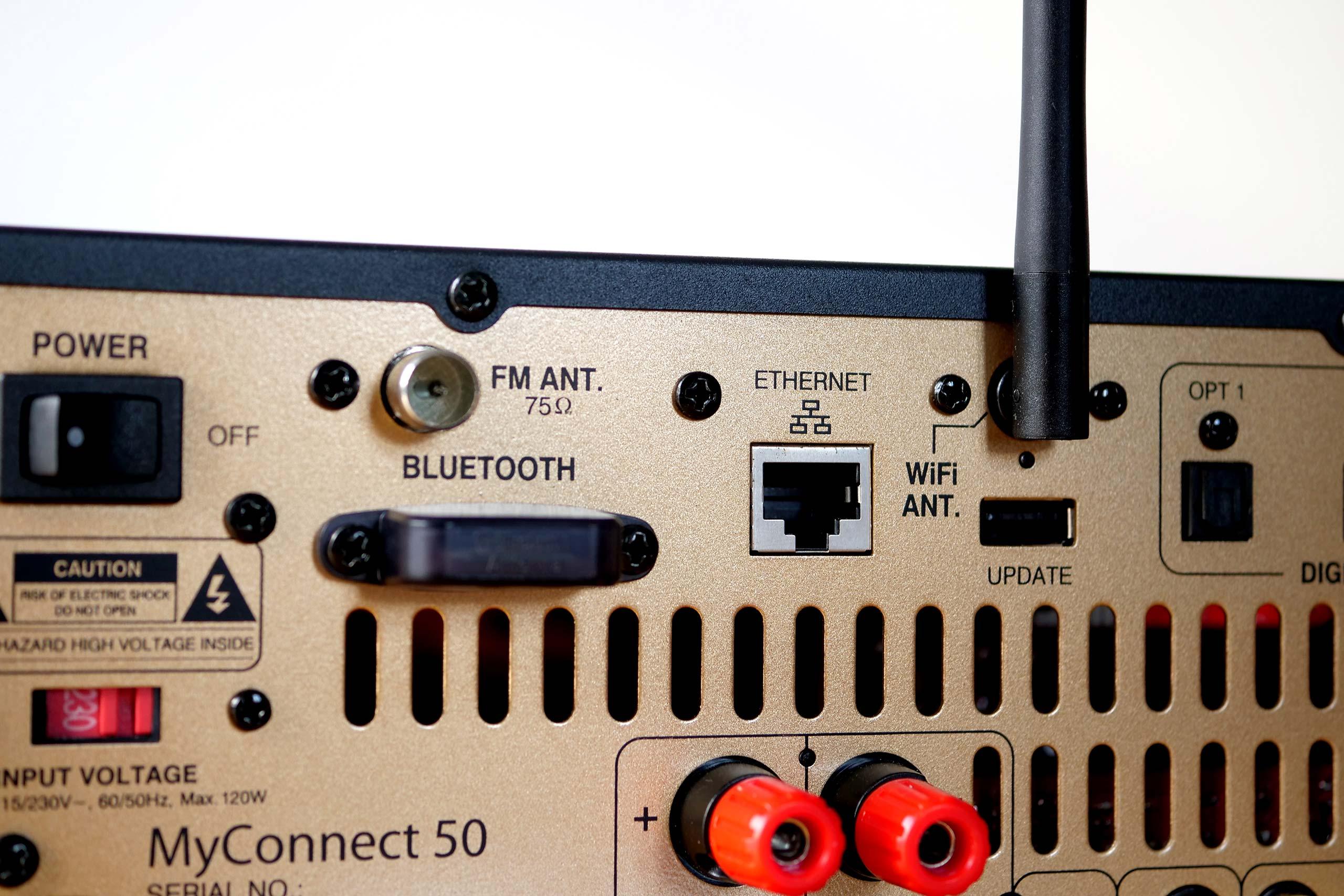 L'antenne verticale sert uniquement au WiFi. Le Bluetooth utilise sa propre antenne protégée par un cache en plastique.