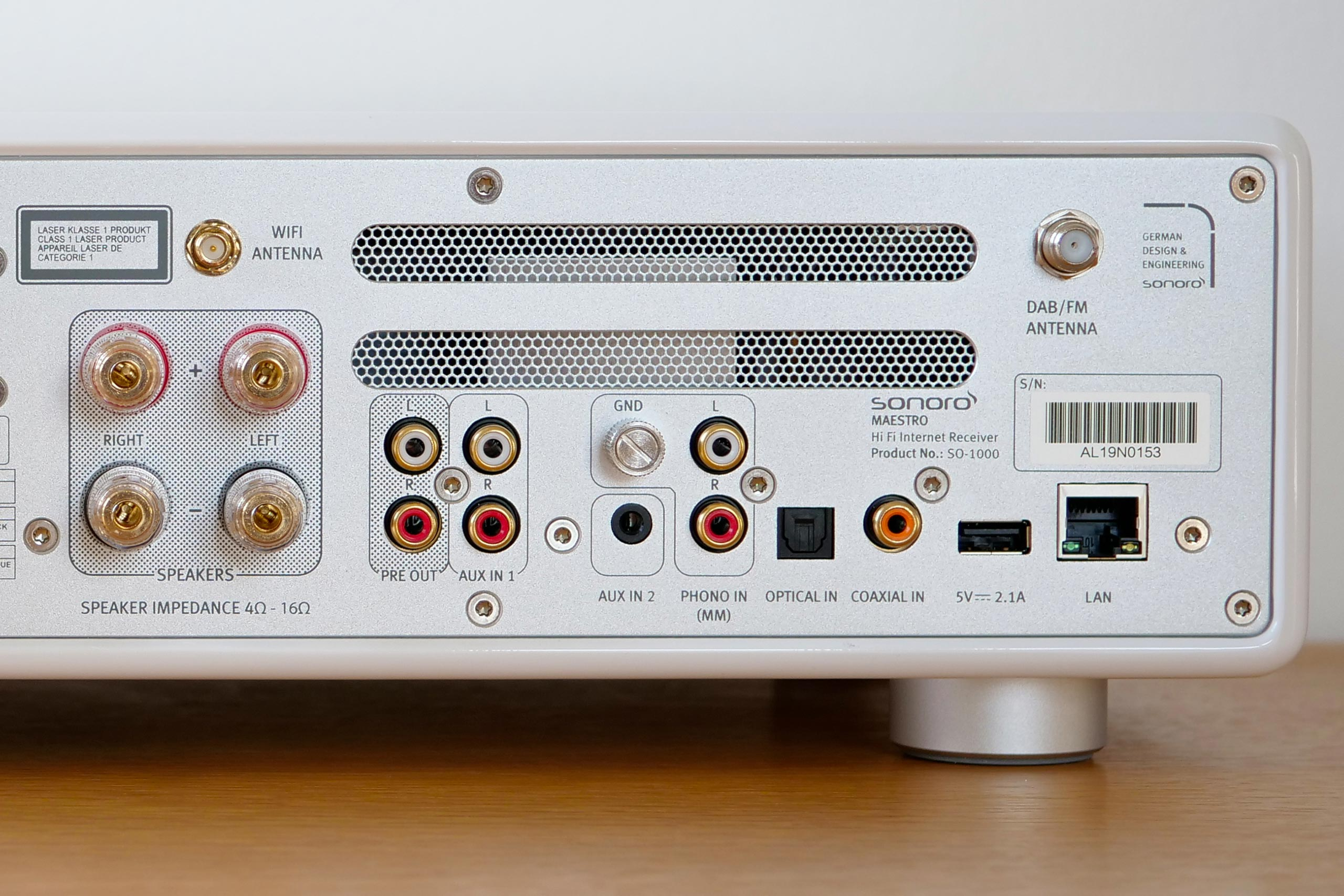 la Sonoro Maestro propose une riche connectique pour les sournces audio analogiques et numériques