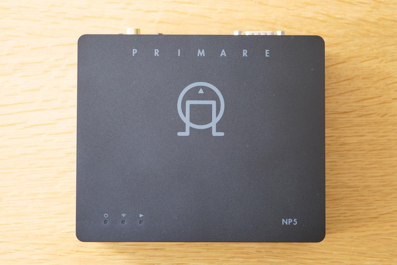Primare NP5 un streamer pour la lecture des fichiers audio et des services musicaux Deezer, Qobuz, Spotify et Tidal. Compatible Bluetooth, WiFi, AirPlay 2, Chromecast et UPnP / DLNA