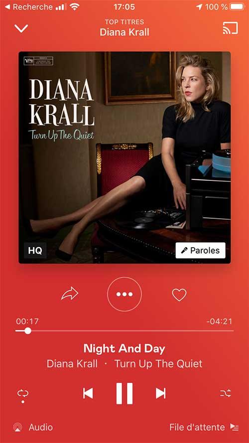 Depuis l'application Deezer sur iPhone, la mention HQ précise l'écoute en qualité CD.