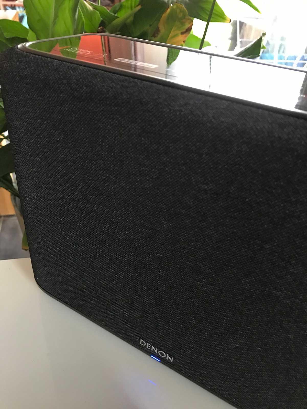 L'enceinte Denon Home est compatible AirPlay 2 pour l'écoute de Deezer HiFi en qualité CD