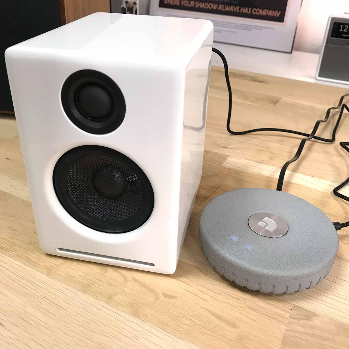 L'enceinte Audioengine A2+ dispose d'une lecture par réseau WiFi et AirPlay