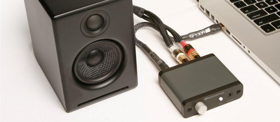 Un DAC Audioengine D1 pour remplacer la carte de son de l'ordinateur et bénéficier d'un ampli casque