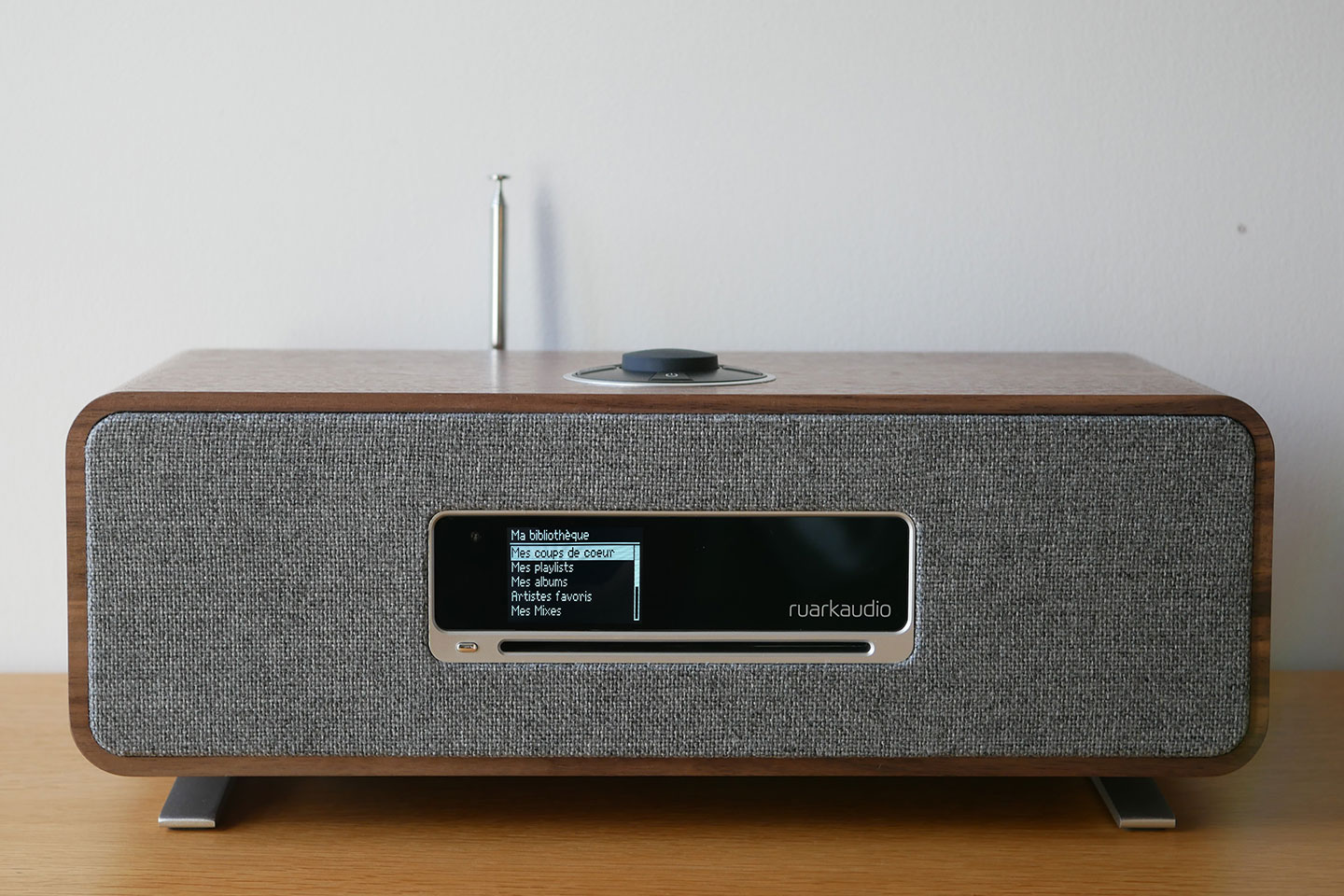 Test de la mini-chaine HiFi Ruark Audio R3 : Amazon, Deezer, Tidal, Spotify, lecteur CD, WiFi, radio Internet et DAB