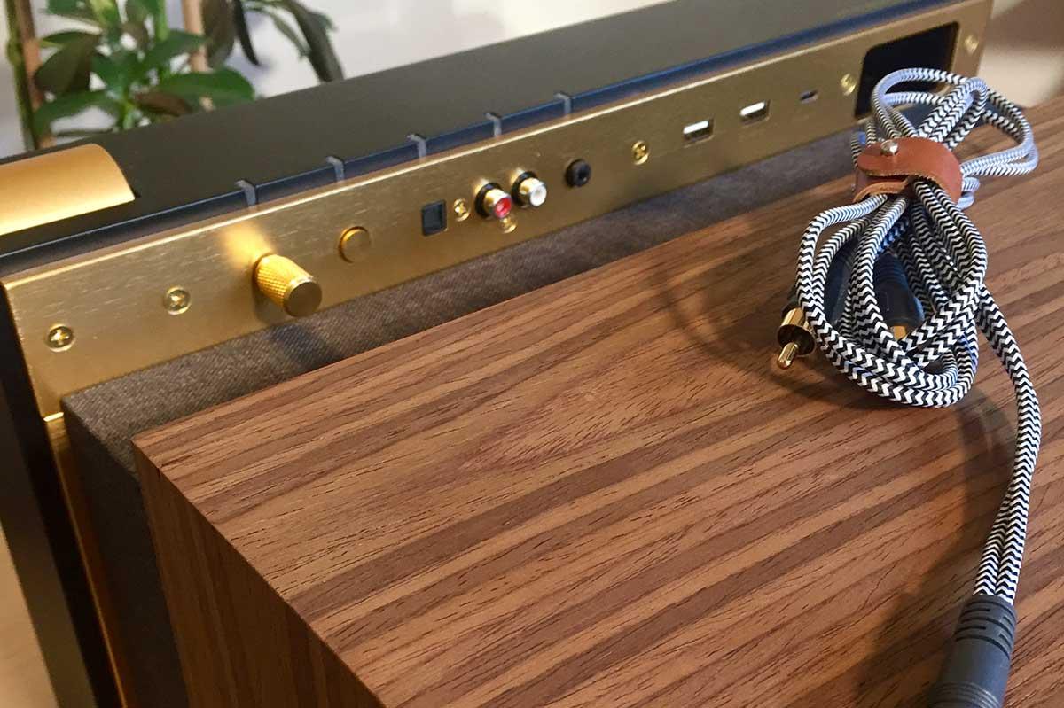 La boite concept connectiques avec cable