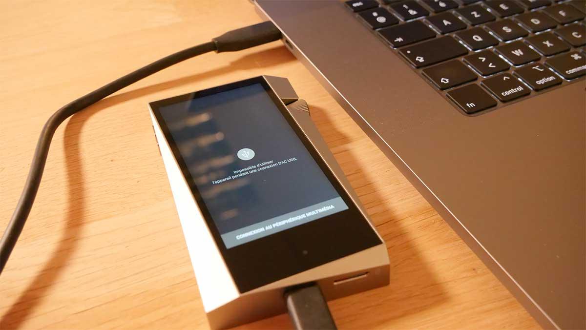 Le SR25 remplace la carte son du MacBook par un DAC audio de qualité HiFi