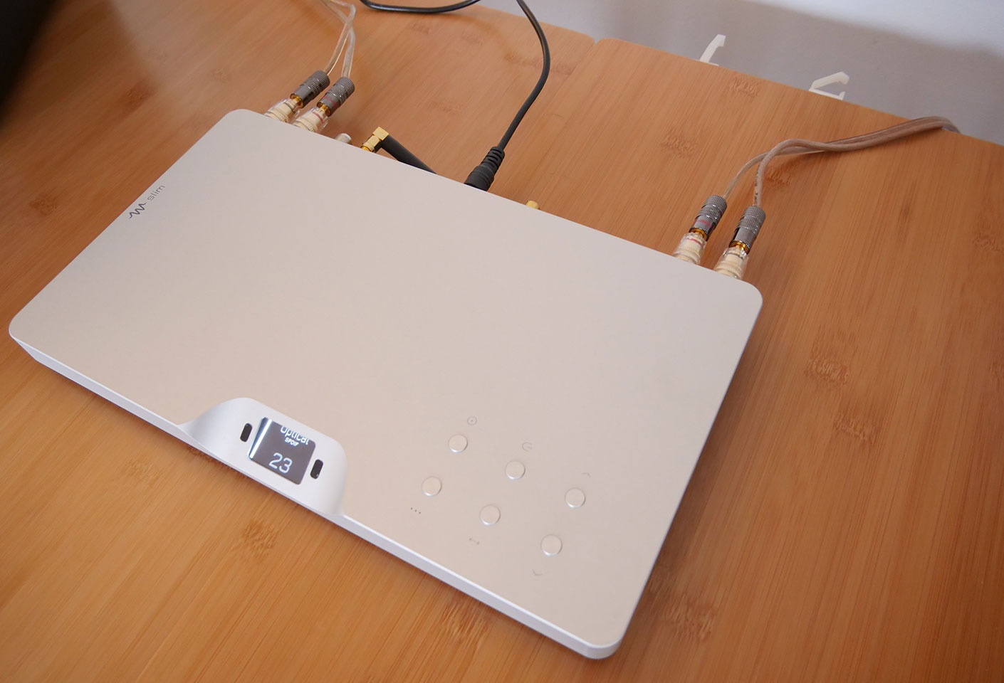 Waversa WSlim-LITE : Lecteur réseau DLNA, Airplay, Bluetooth aptX, tuner FM