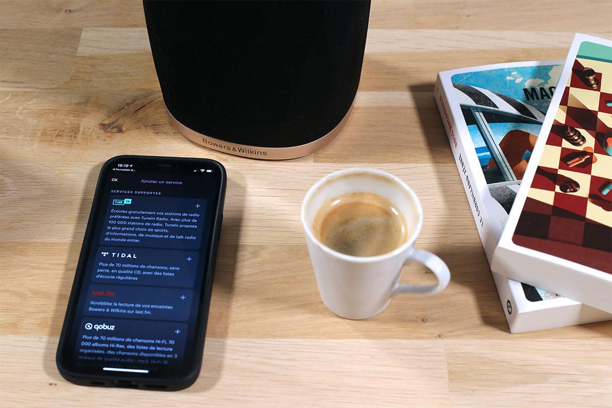 """La nouvelle appli """"Music"""" présente les services de streaming pour les enceintes B&W Formation"""