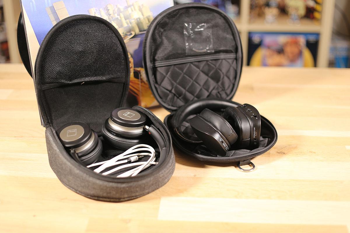 Les pochettes de protections de transport des casques Dali IO-6 et NAD HP70.