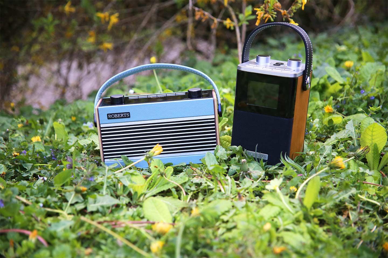 Les postes de radio numérique Roberts DAB+/FM : nomade, emportez votre musique partout avec vous en Bluetooth et USB