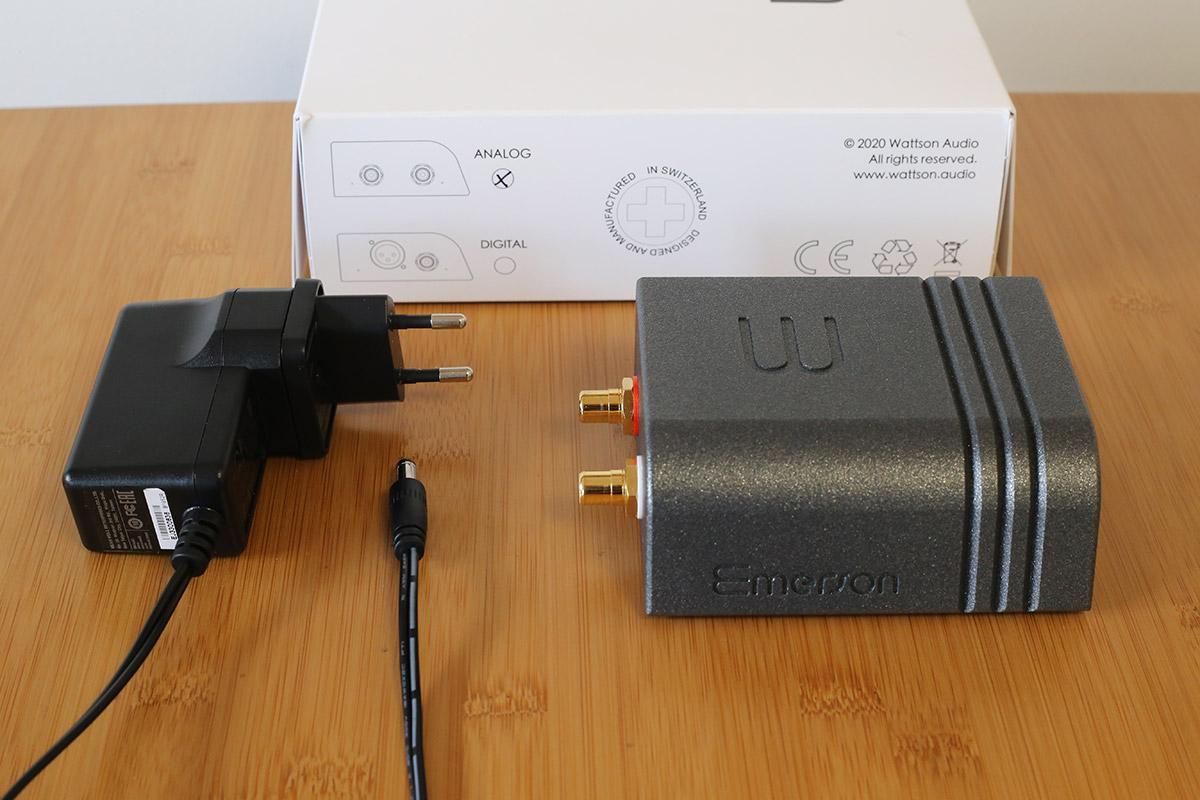 Le bloc d'alimentation externe est le seul accessoire fourni avec les lecteurs audio Emerson de Wattson Audio
